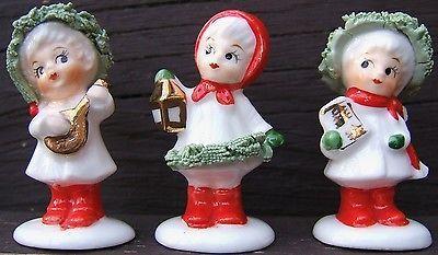 Christmas-Carolers-Bone-China-Three-Miniature-Napco-Figurines-Vintage