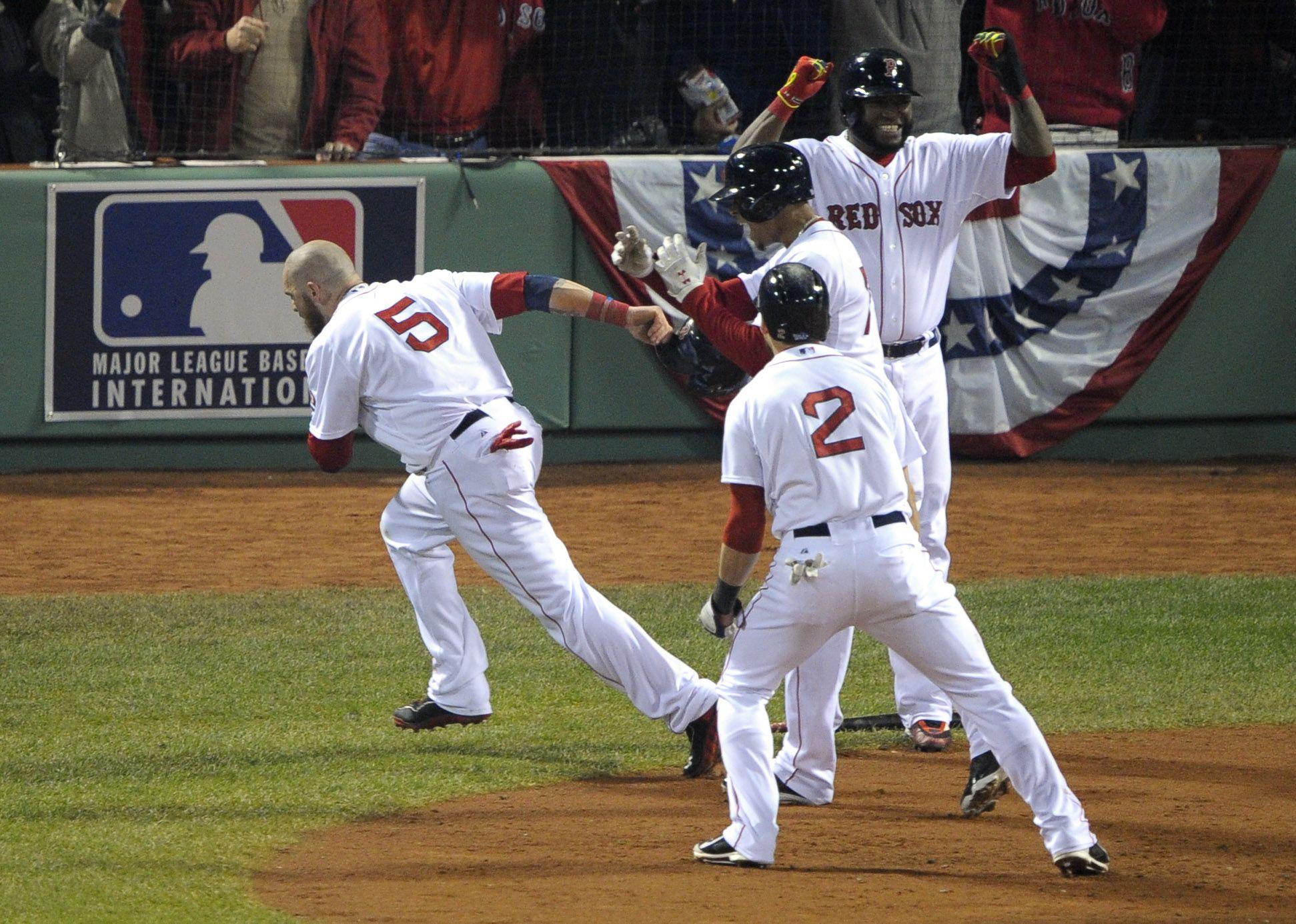 Crowdcam Hot Shot Boston Red Sox Left Fielder Jonny Gomes Celebrates With Teammates Jacoby Ellsbury David Ortiz Baseball World Series Boston Red Sox Red Sox