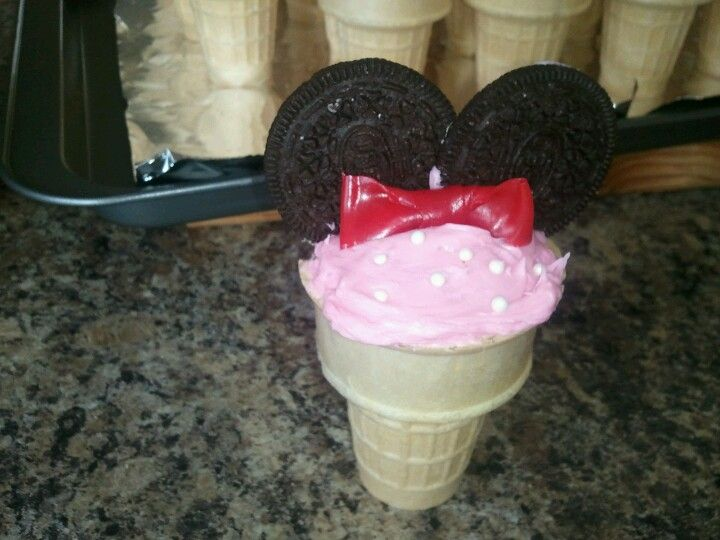 first go minnie mouse ice cream cone cupcakes my creations
