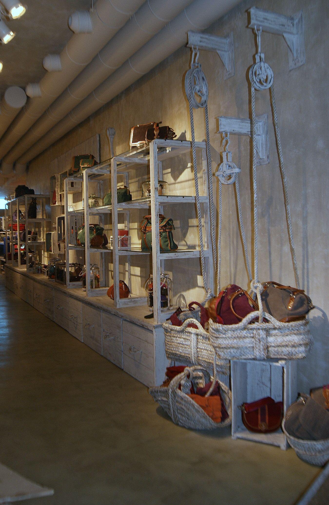 Salvador Bachiller Madrid Tiendas Via Martablasco Http  ~ Curso De Restauraciã³n De Muebles Madrid