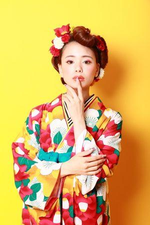 成人式style60\u0027sレトロモダンスタイル Summer Kimono, Wedding Kimono, Japanese Hairstyle,  Kimono