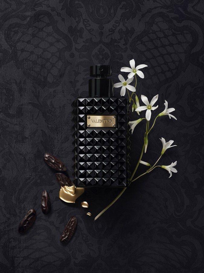 valentino noir absolu musc essence valentino parfum un. Black Bedroom Furniture Sets. Home Design Ideas
