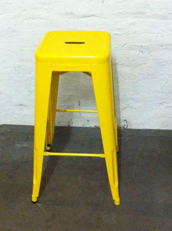 tolix barhocker tabouret h75 gelb orange lackiert aus der. Black Bedroom Furniture Sets. Home Design Ideas