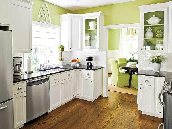 Küchenausstattung Mit Weißen Möbeln Und Grünen Wänden