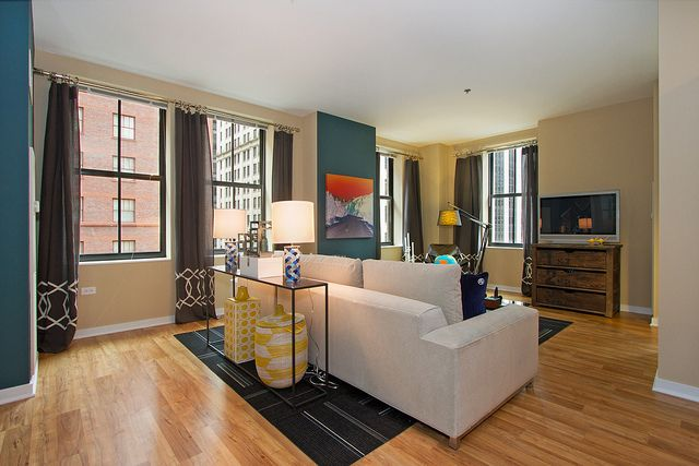 Randolph Tower City Apartments In Chicago Il Has Studio 1 And 2 Bedroom Apartments And Penthouse Apa City Apartment Luxury Apartments Interior Deco