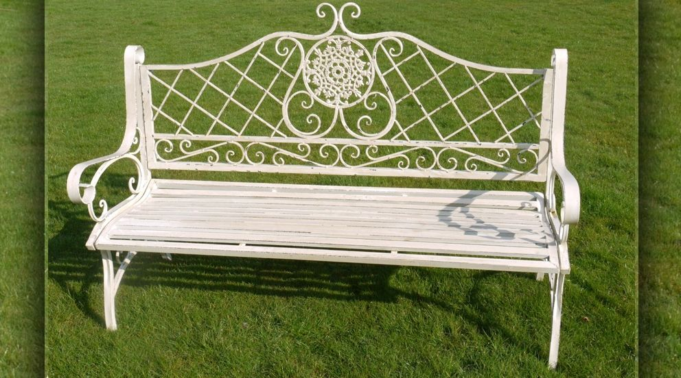 Banc de jardin en fer forgé couleur blanc antique | Banc et ...