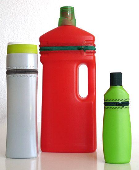 Det er på tide at jeg køber nogle nye lynlåse til alle de næsten tomme ajaxer og skuremiddel flasker under min køkkenvask. Det er vist p...