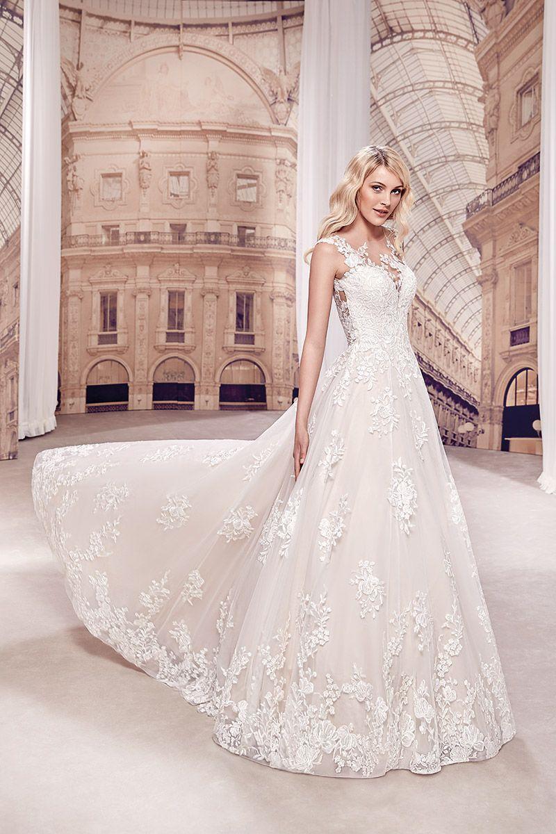 Wedding dress md in stylish destination wedding dress