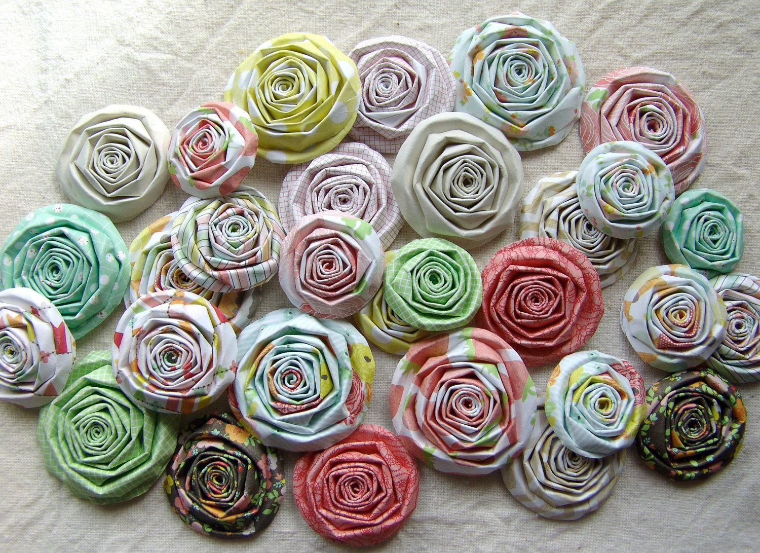 Handmade paper flowers SET of  roses Dear lizzy Neapolitan