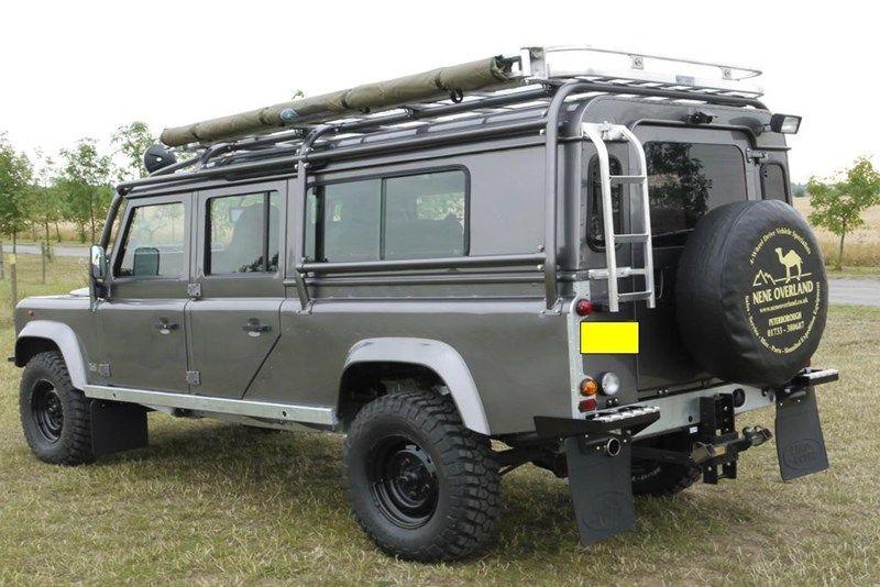 Land Rover Defender 127 Or 130 For Sale Lro Com Uk Avec Images
