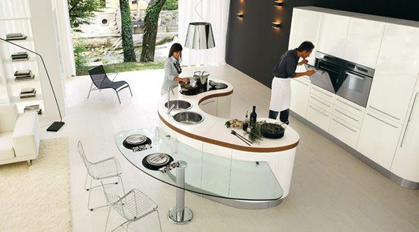 îlot de cuisine design et moderne incurvé avec deux éviers ronds