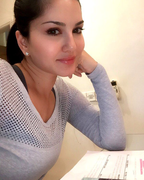 Sunny Leone Taking Hindi Lessons For PROPELLING Her