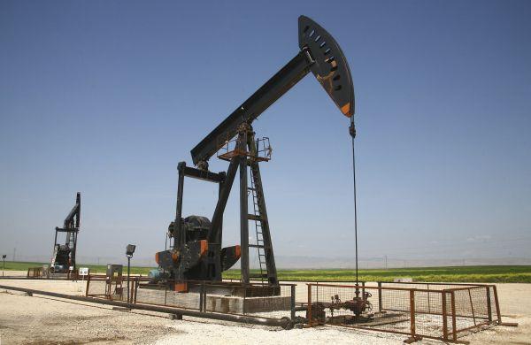 «Исламское государство» захватило последнее нефтяное месторождение в Сирии.               Боевики ИГ отбили у сирийских вооруженных сил ключевое месторождение нефти, расположе�
