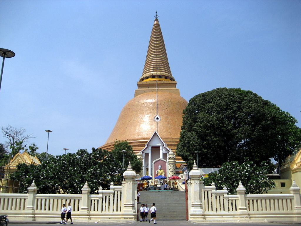 Phra Pathom Chedi, Thailand: See The Tallest Stupa In The World