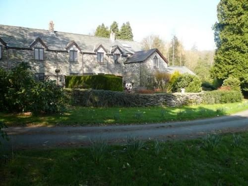 Snowdonia Cottage With Bala Lake Views Pets Welcome Stay In Wales Holiday Cottage Lake View Cottage