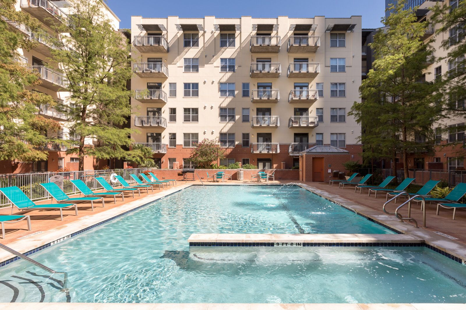 Live With A Resort Style Pool In Your Backyard While In The Heart Of Downtown Austin Downtown Austin Apartments Downtown Austin Resort Style Pool