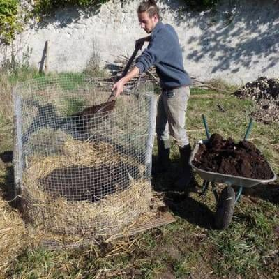 tour à pommes de terre Jardin Écologique  Récup Pinterest