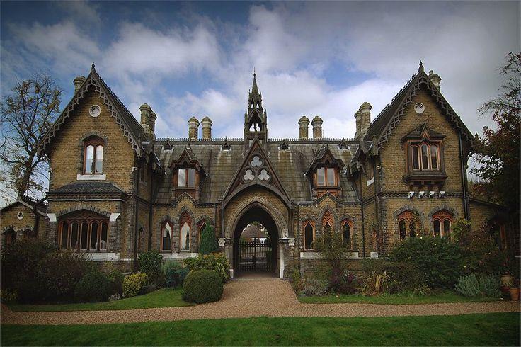 13 Dramatic Gothic Victorian Homes Part 2 Unique Intuitions Gothic House Victorian Homes Victorian Architecture