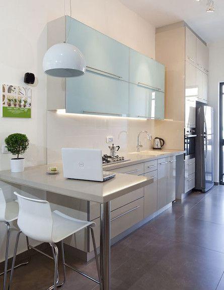Small narrow kitchen layout idea new home design ideas for Narrow kitchen design ideas