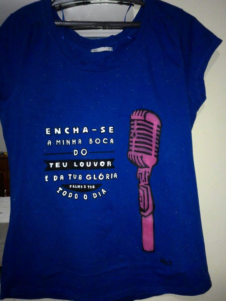 Camiseta Customizada #tshirt #camiseta #feitoamao #customizada #art #acrilex #espacowd #wd
