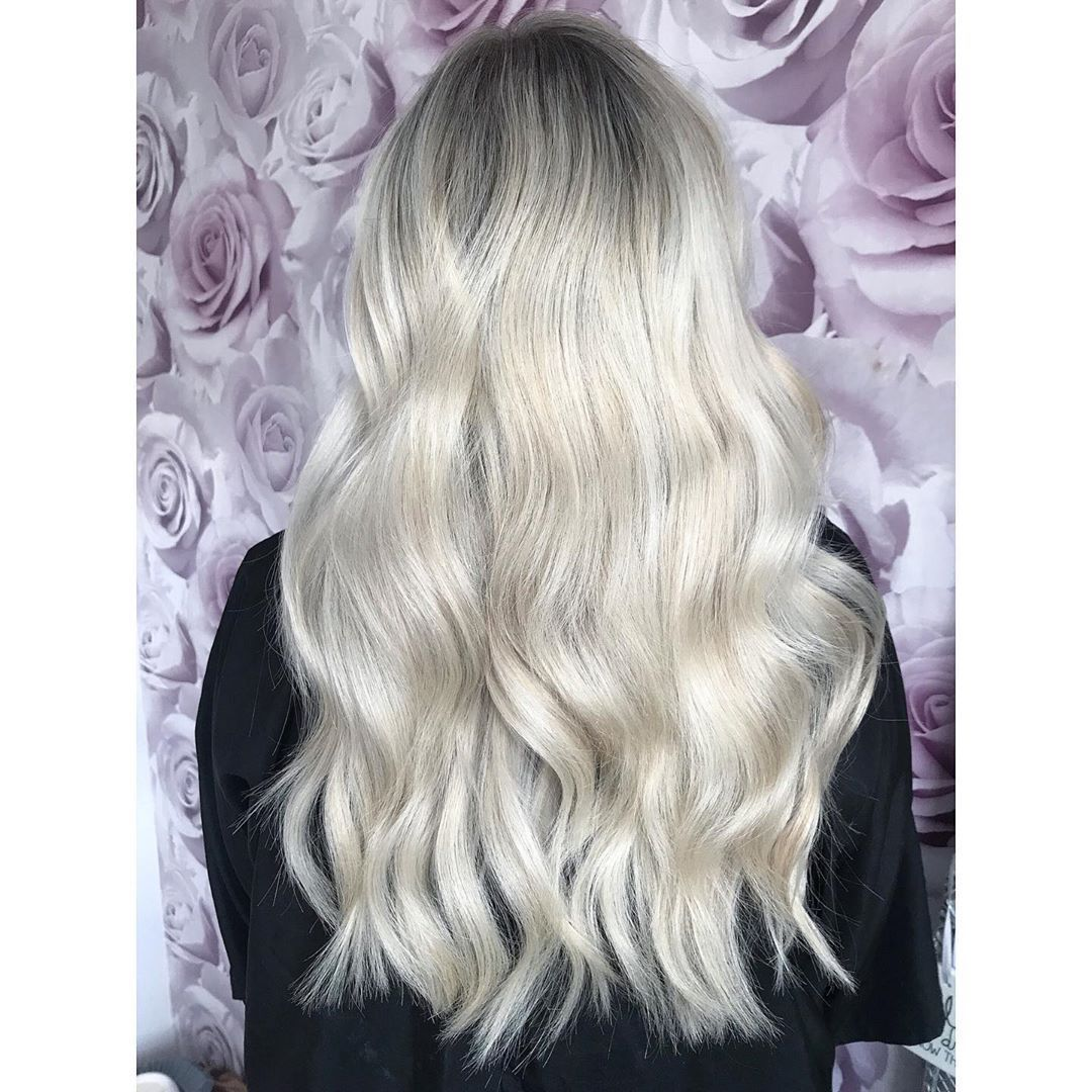 #hairgoals N A T U R A L R O O T E D A beautiful natural Ash blonde rooted colour done today for my client, no hair extensions either just amazing hair #hairextensions #indianhair #kyliejenner #doubledrawn #mircrorings #weave #prebonded #celebweave #laweave #hairextensionsuk #hairextensionsnottingham #nottingham #hairoftheday #guytang #hairgoals #hairenvy #bighair #hairdressing #salonlife #selfie #love #bighairgoals #sassy #sassystyles #blonde #lowlights #wella #hairdressernottingham #oneshothai #naturalashblonde