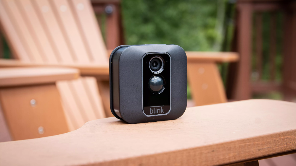 Amazon S Blink Battery Powered Security Camera Is Still Kicking 1 Year Later Best Security Cameras Security Cameras For Home Safety Camera