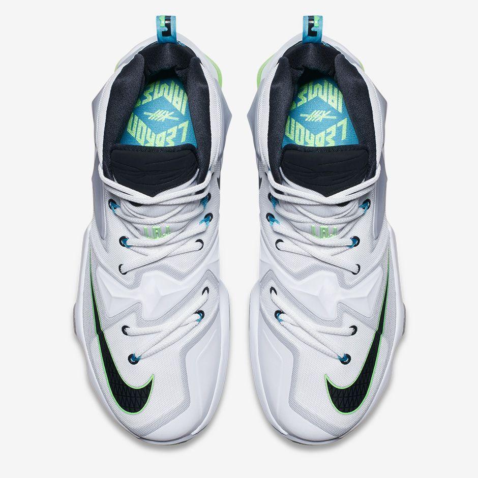 d8dd0a98ec2 Nike LeBron XIII