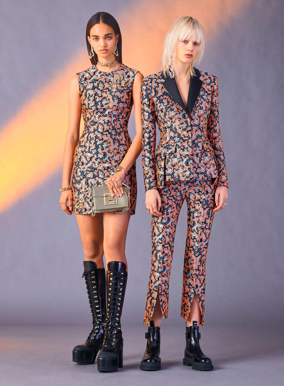 Versace Pre Fall 2017 Fashion Show In 2019 Fashion Fashion 2017