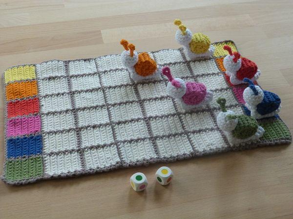 Häkelanleitung für ein Kinderspiel Schneckenrennen #crochethooks