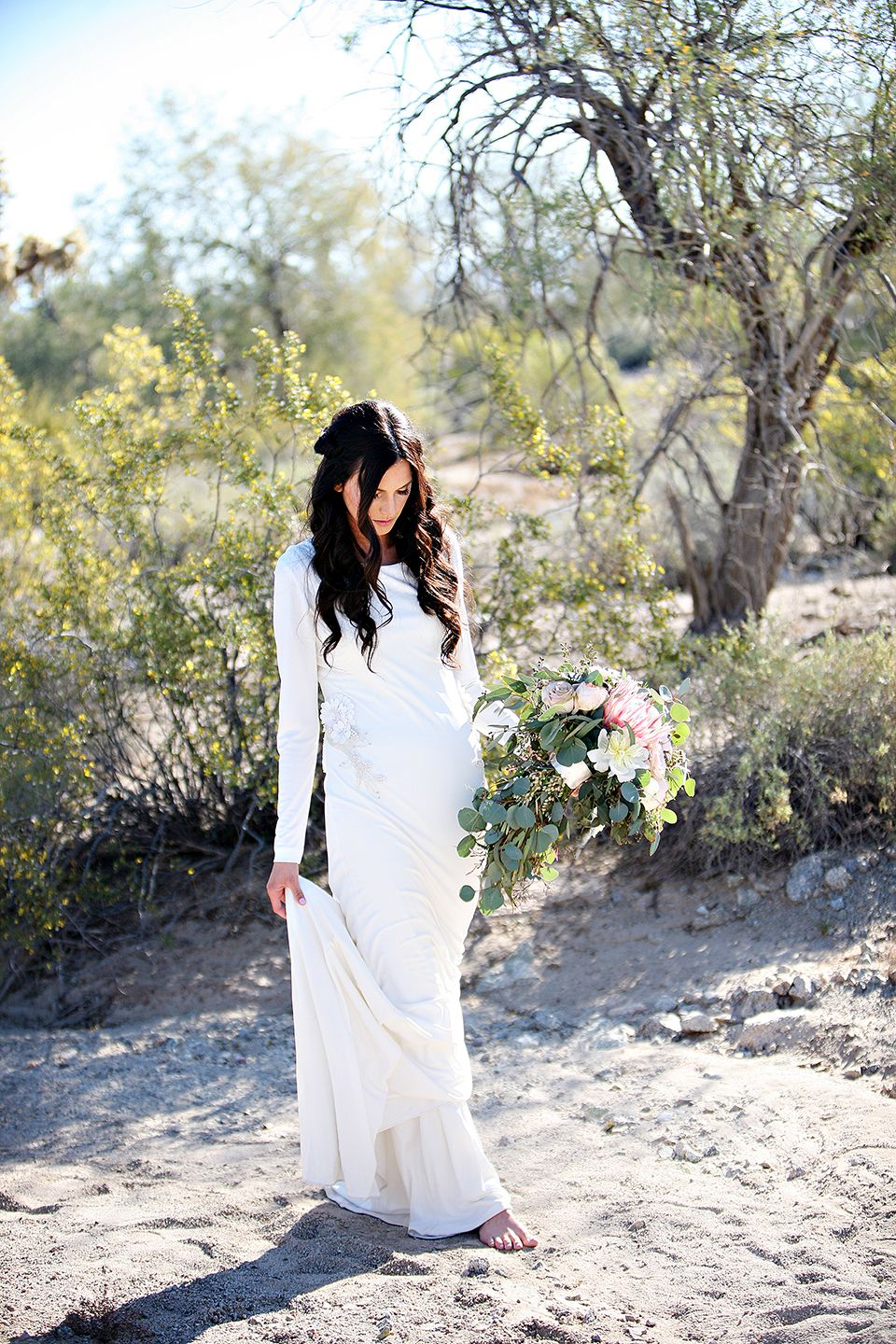Coco Chandell » A Chea Lamb Project » The perfect white dress, modest wedding dress, desert bridal photoshoot, palmsprings inspiration, santan mountains