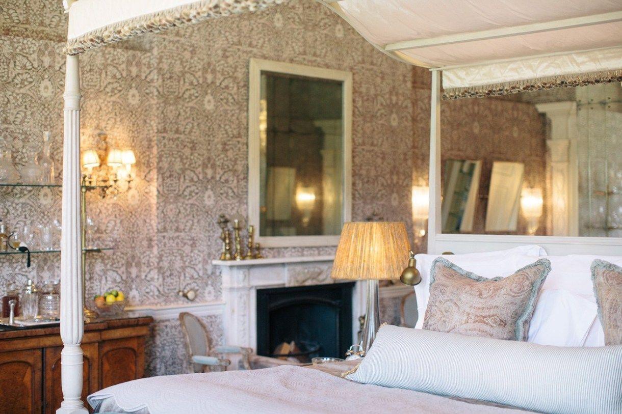 Orlando and the Fountain House, Edward hall, Cosy bedroom