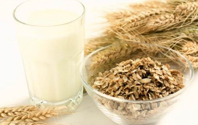 Avena, amica del colesterolo e della buona energia - L'avena è un cereale che cresce da 4000 anni in Asia ed in Europa. La sua coltivazione ha dato origine a quasi cinquanta specie ma la più utilizzata oggi è l' Avena Sativa che, una volta raccolta, viene trasformata in fiocchi, chicchi e farina.