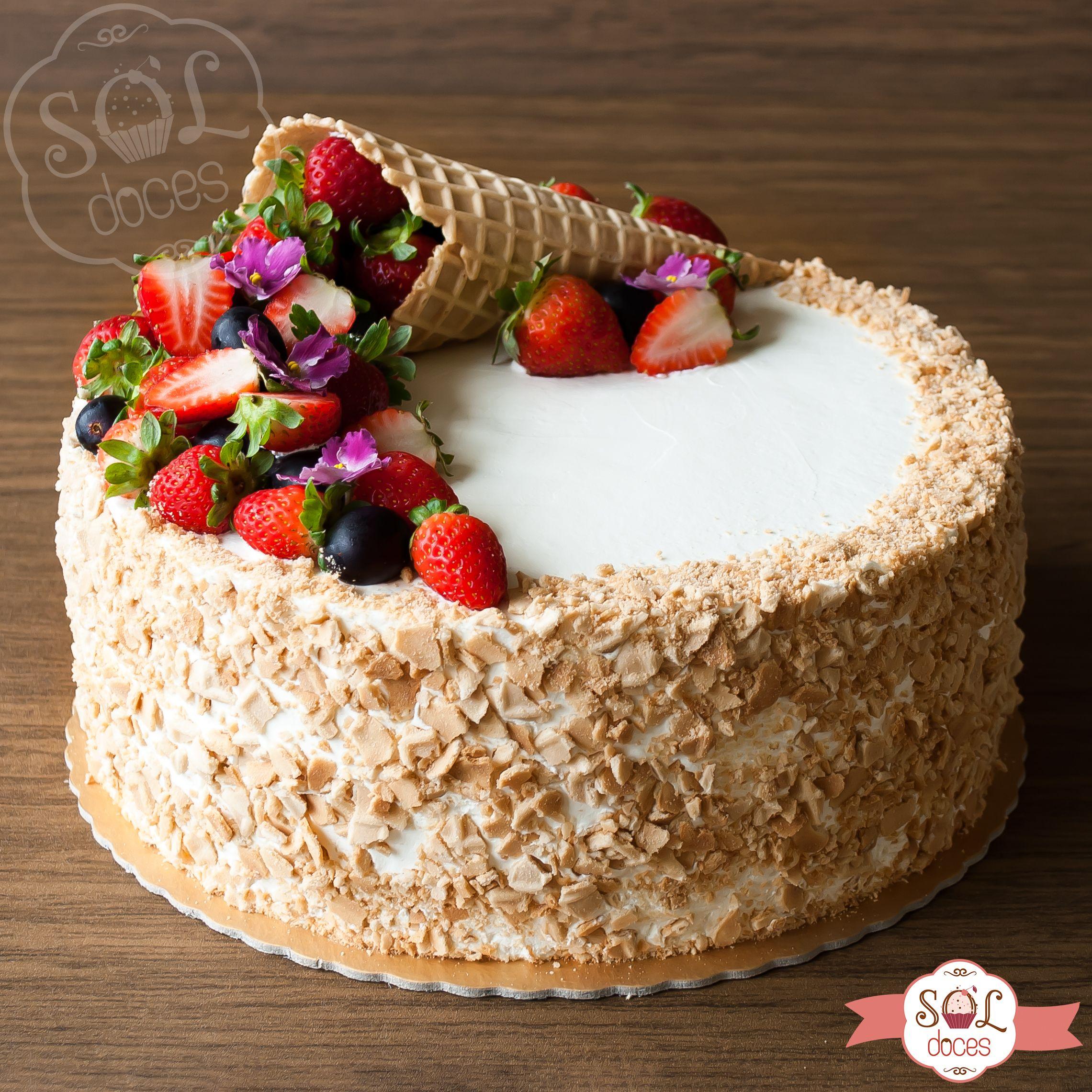 Olha So Que Lindo Esse Bolo De Casquinha De Sorvete Tortas Pastel De Frutas Torta De Frutas
