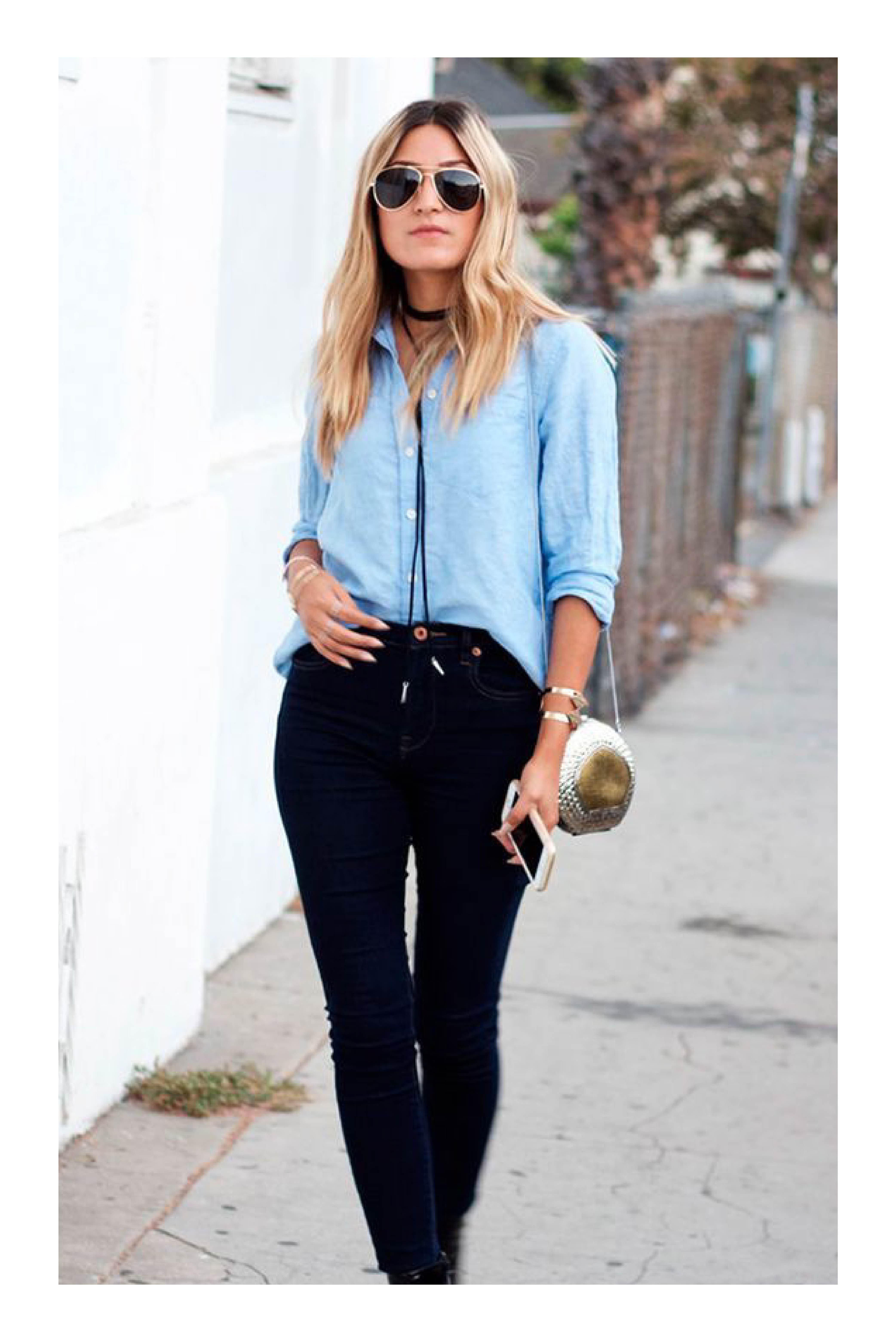 8e177d4b00 Combina tu blusa formal para lograr un look casual  TiZKKAmoda  blusa  azul   pantalón  negro  black  lentes  bolsa  casual  collar
