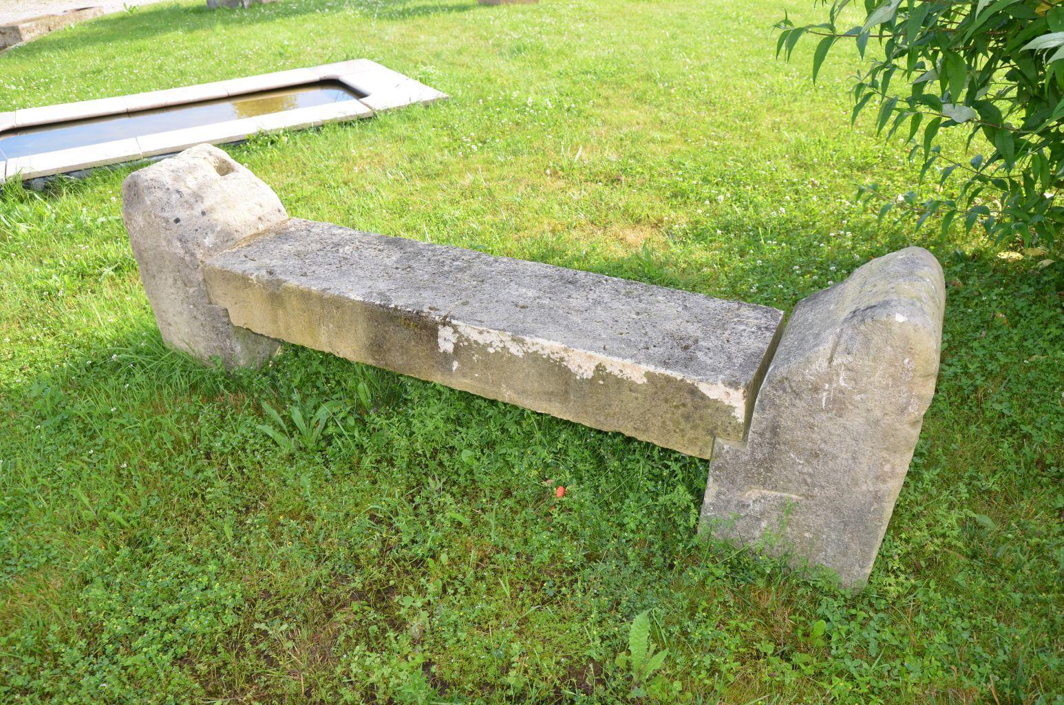 banc rustique en pierre calcaire ancien   banc ancien de jardin