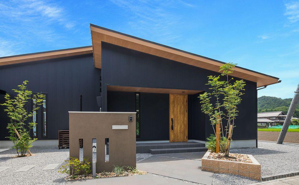 Suumo 2480万円 大空と中庭を楽しむ平屋の家 蔵 スキップフロア