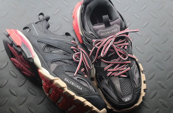 Balenciaga Track 3 0 Sneakers Tess s Gomma Black Red