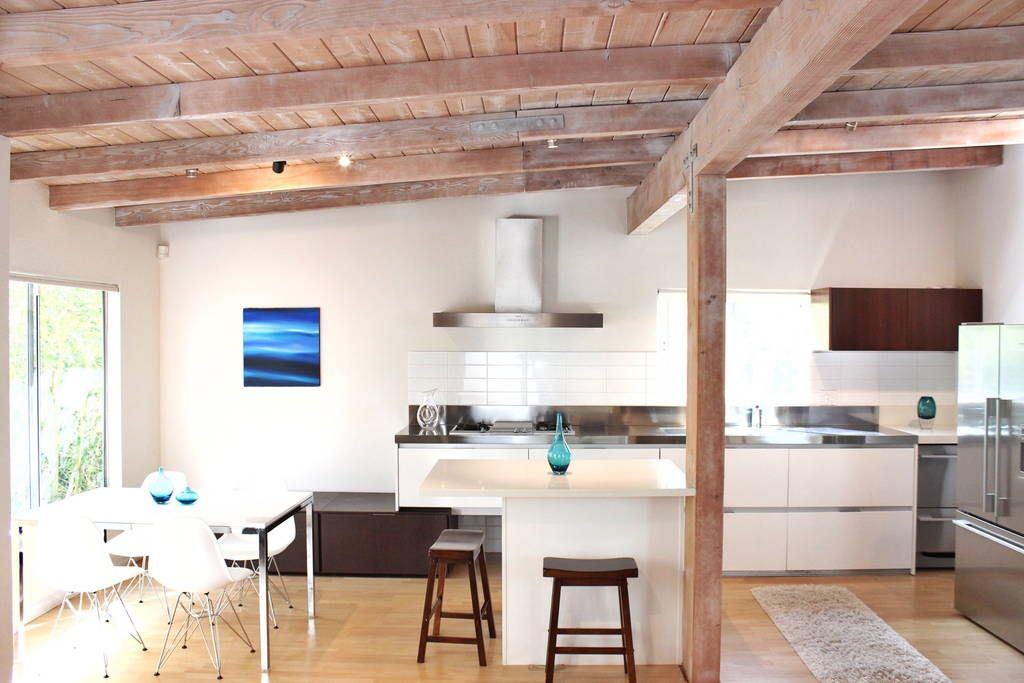 Check out this awesome listing on Airbnb: European Modern 1 block to beach! - Houses for Rent in Hermosa Beach