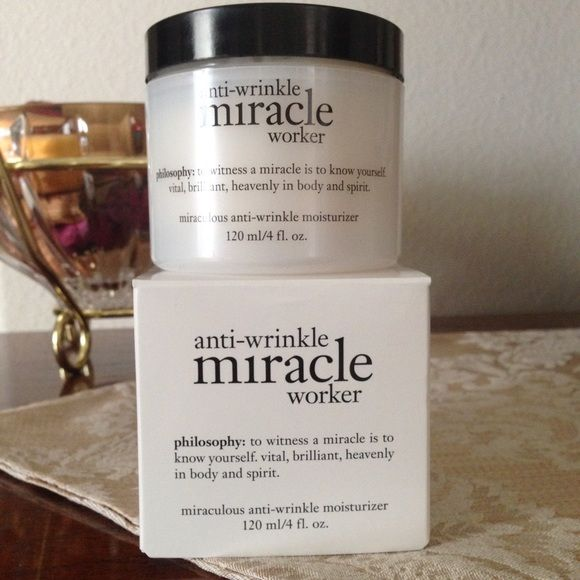 Philosophy Super Size Miracle Worker Moisturizer This is the super size of Philosophy's best selling anti-aging moisturizer. Helps firm and hydrate the skin while addressing signs of aging. Loaded with vitamin C, it contains the highest level of antioxidants of any Philosophy moisturizer. PRICE IS FIRM. Philosophy Other