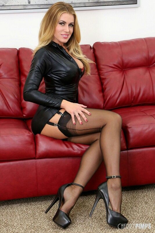 Blond milf in red stockings