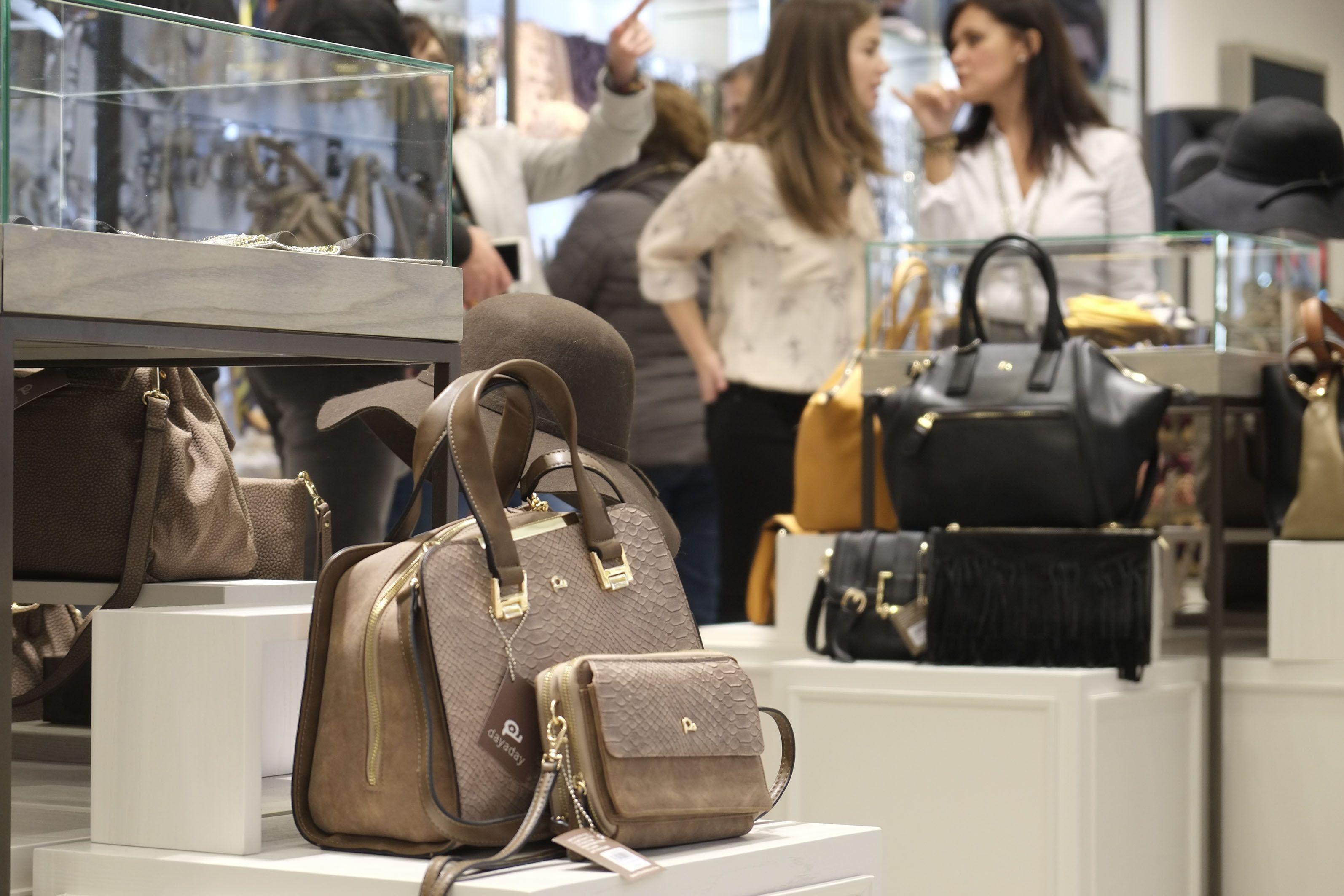 El viernes 4 de diciembre inauguramos por todo lo alto nuestra tienda en el  centro comercial 1064b7d07bd
