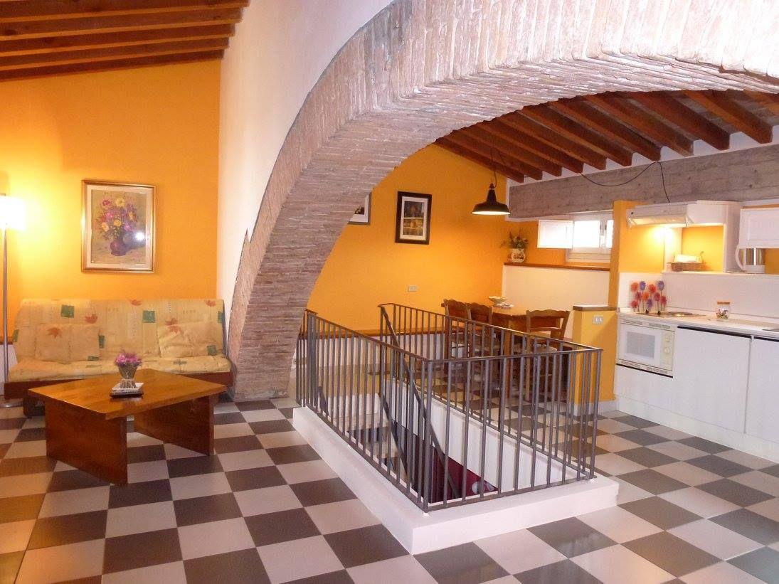 Chiostro di Suvereto ita Appartamenti, Toscana, Agriturismo