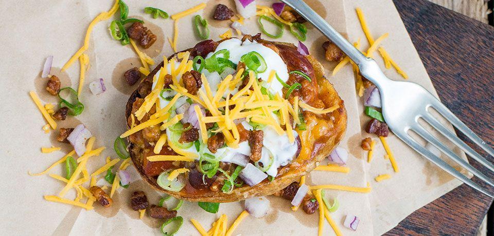 Mmmmm... Chili-Stuffed Potatoes.... Are you thinking dinner tonight?