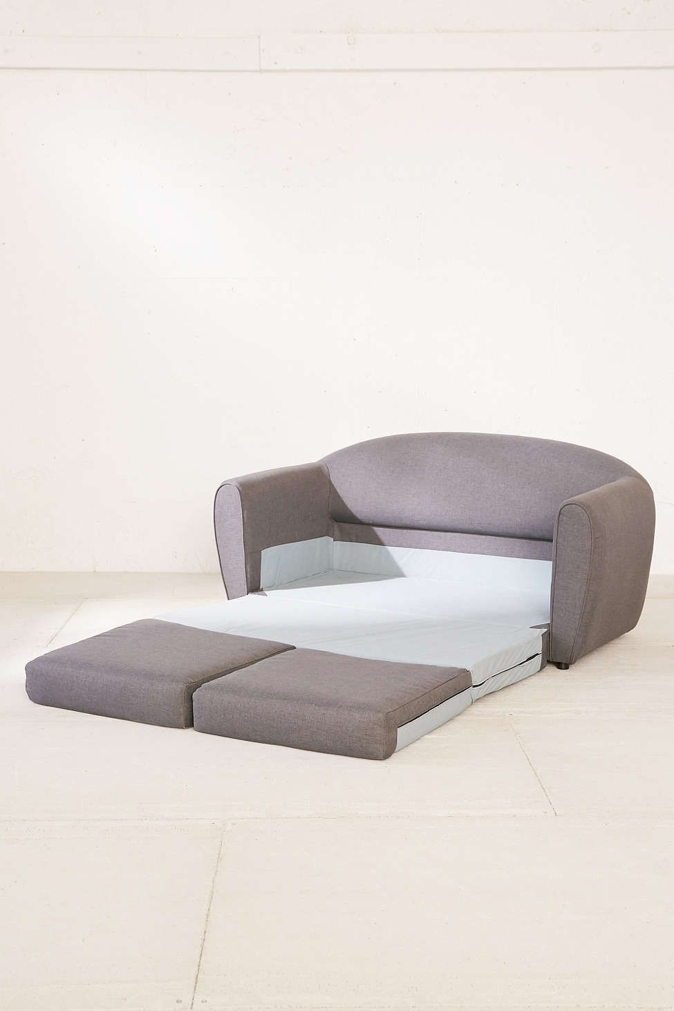 Gentil 22 Cheap Sofas That Actually Look Expensive Trendy Furniture, Furniture  Online, Furniture Movers,
