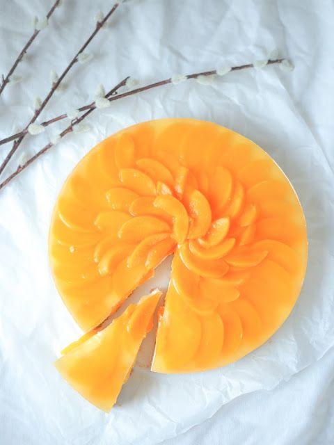 Piparkakkutalon akka,  ruoka- ja leivontablogi: Keväinen persikka-juustokakku gluteenittomasti
