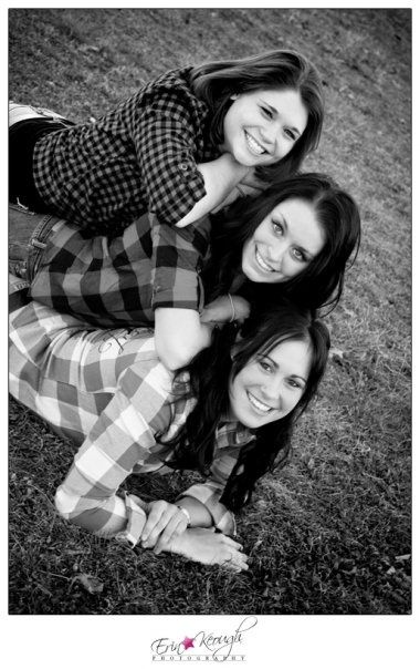 sister pose best friends photography | Best friend ...