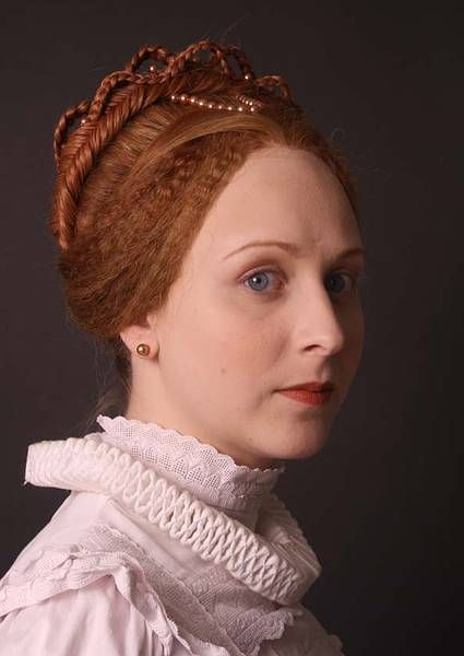 Amazing, elaborate braided Renaissance hairstyles. Such ...