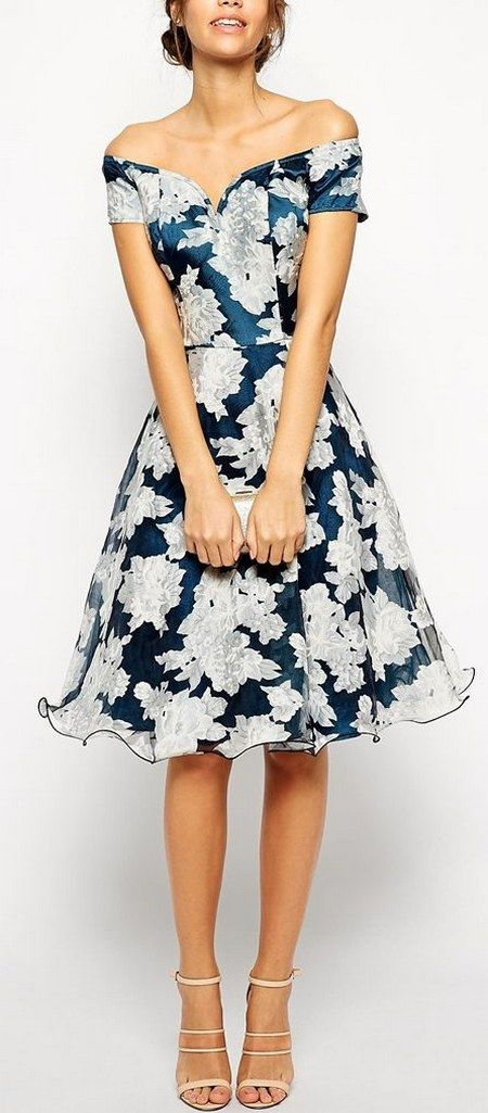 d37db2573f9 Pretty floral print off shoulder wedding guest dress / http://www.himisspuff