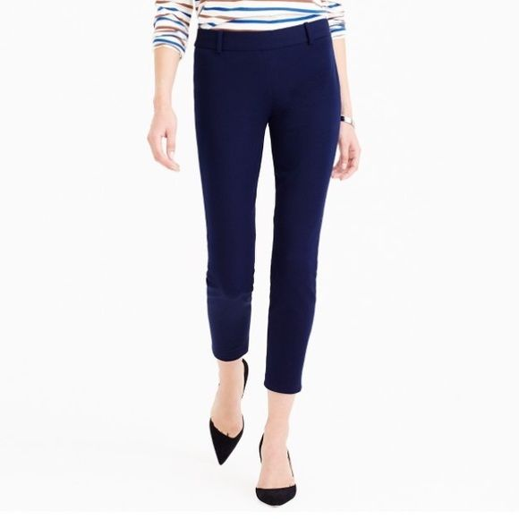"⚓️ J.Crew Navy Minnie Pant in Stretch Twill ⚓️ Brand new with tags! Perfectly fitting Minnie ankle pant. Navy color. Side zip. 26"" inseam. Pants Ankle & Cropped"
