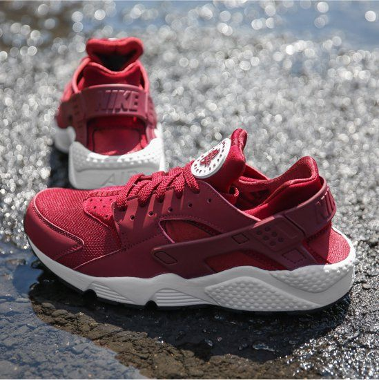 the best attitude bdcf7 a7123 Nike Huarache Burgundy